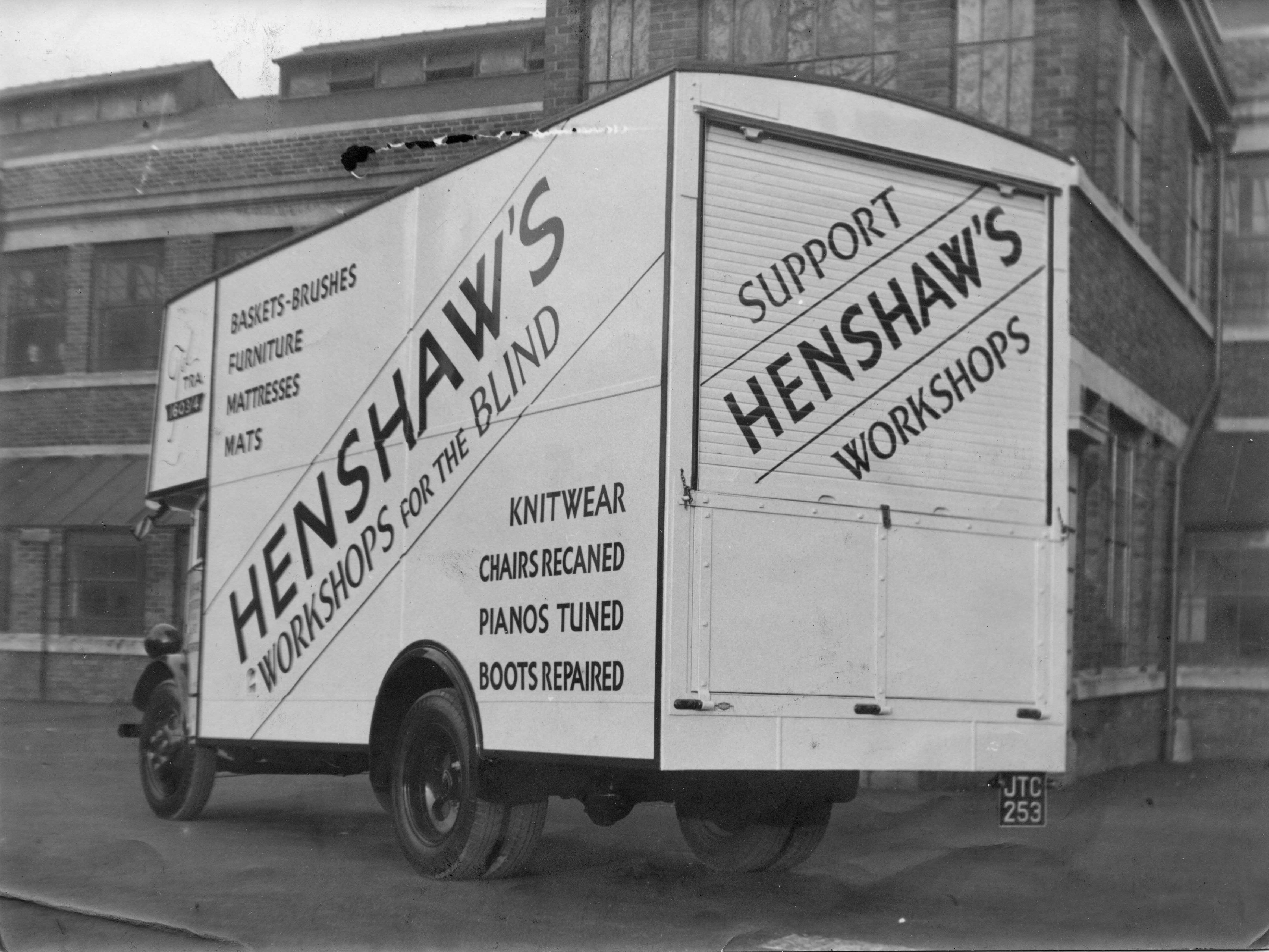 henshaws-lorry