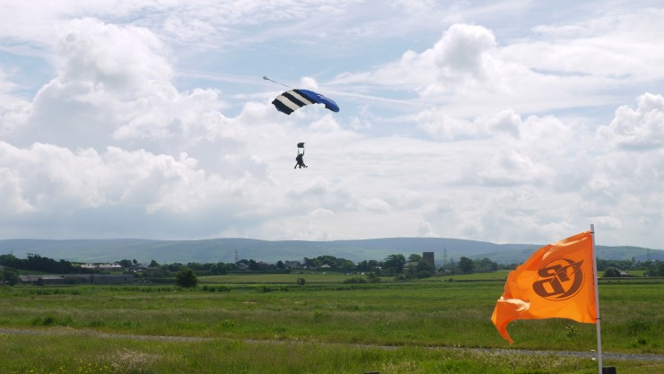 Kate and Kerry skydive