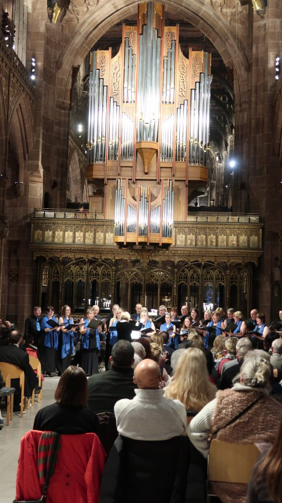 manchester-chorale-singing-in-manchester-cathedral