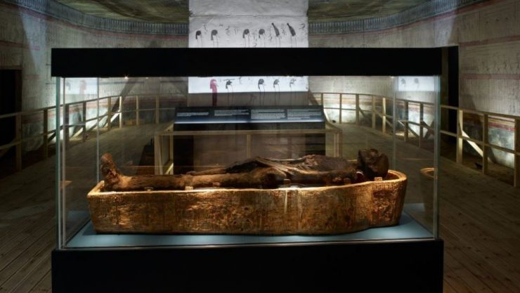 replica tomb of Thutmose II including the mummy in a glass case