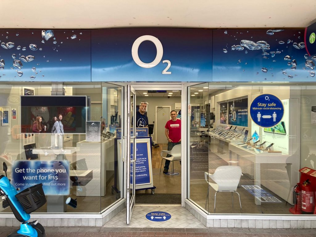 O2 shop front